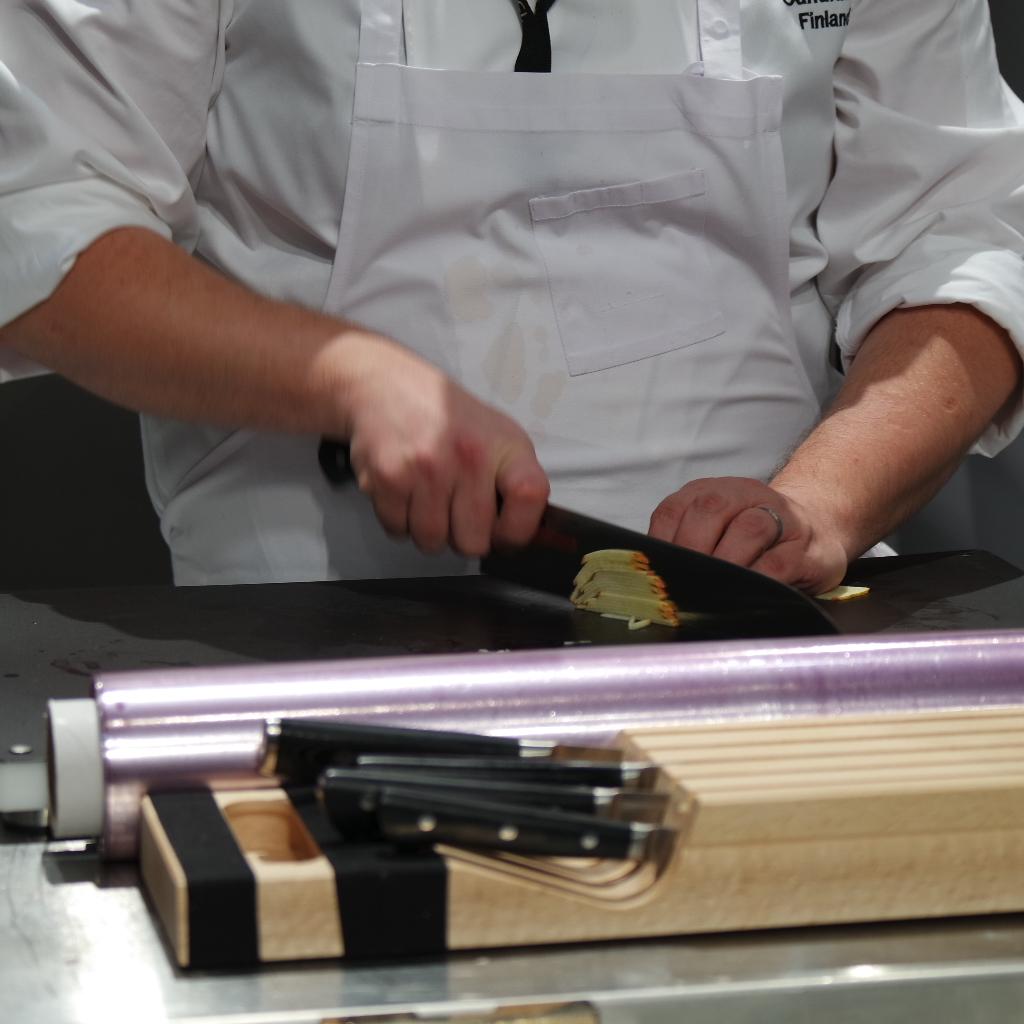 Eero VOTTONEN, Finland Masahiro knives